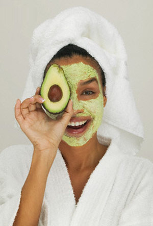 how-to-make-an-avocado-beauty-mask-for-dry-skin
